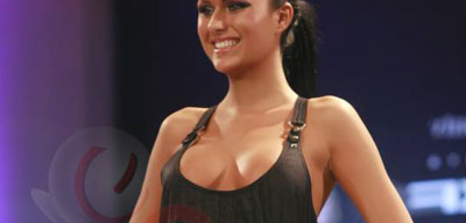 Daniela Crudu pictures